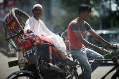 https://flic.kr/p/kizy18 | Bike Rescue | These things are not uncommon around here, rickshaws are used in several other ways. The first take from yesterday afternoon as I was on my way to my daughter's school to pick her up. Through the windshield....  Nor Ahmed Road, Chittagong
