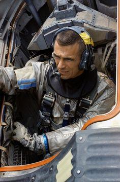 Astronomy - Astronauts: Gemini 9 astronaut Gene Cernan undergoes splashdown training in the Gulf of Mexico, April (NASA). Apollo Space Program, Nasa Space Program, Space Projects, Space Crafts, Project Gemini, Nasa Photos, Astronauts In Space, Neil Armstrong, Space Race
