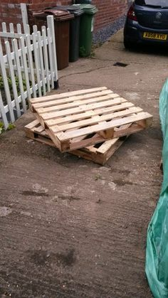 DIY Pallet Sofa : 4 Steps (with Pictures) - Instructables Used Pallets, Recycled Pallets, Wooden Pallets, 1001 Pallets, Diy Pallet Sofa, Pallet Furniture, Pallet Benches, Pallet Tables, Pallet Bar