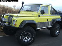 Land Rover Santana 88 - yellow cars