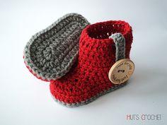 365 Crochet: Hut's Amore Baby Booties -free crochet pattern-