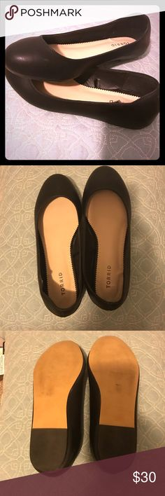 Black Ballerina Flats Even if you can't plié IRL, you can totally pretend with these flats. The black faux leather lends a sleek, seamless touch to these round toe flats.  Worn a few times to job interviews. From a dog-friendly home! Make me an offer! torrid Shoes Flats & Loafers