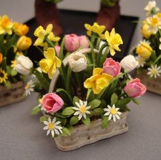All Things Small is a maker of highly detailed miniature plants and flowers ...  allthingsdoll.blogspot.com