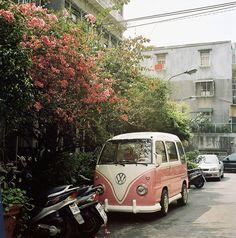 a pink VW! nooooo..i want this !!