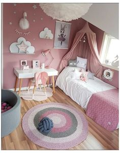 Break free from the usual 'blues for boys' and 'pink for girls' and transform your kid's room in stunning ways. Scroll through the amazing gender neutral room ideas for kids now. Girls Room Design, Kids Bedroom Designs, Room Design Bedroom, Small Room Bedroom, Diy Bedroom Decor, Bedroom Ideas, Small Rooms, Dream Bedroom, Baby Bedroom