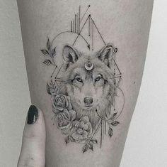 wolf tattoo for women & wolf tattoo ; wolf tattoo for women ; wolf tattoo ideas for women ; wolf tattoo design for women Head Tattoos, Music Tattoos, Arm Tattoo, Body Art Tattoos, Sleeve Tattoos, Tattoo Wolf, Circle Tattoos, Tatoos, Wolf Tattoo Back