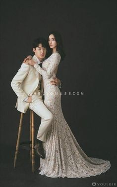31 ideas wedding photos bride couple for 2019 Pre Wedding Shoot Ideas, Pre Wedding Poses, Pre Wedding Photoshoot, Wedding Pics, Wedding Couples, Wedding Inspiration, Bridal Shoot, Fall Wedding, Korean Wedding Photography