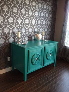 Dining room hutch refinished using Annie Sloan chalk paint - Florence and clear wax. #AnnieSloan  #chalkpaint ... I really like Florence. Could I paint the inside of my china cabinet with that?