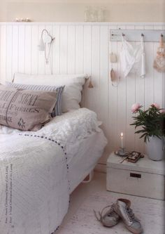 Jeanne d'Arc Living Nr 3 - 2011 Cottage Shabby Chic, Shabby Bedroom, Cozy Bedroom, Dream Bedroom, Bedroom Decor, Shabby Chic Romantique, Country Bedding, White Decor, My Living Room