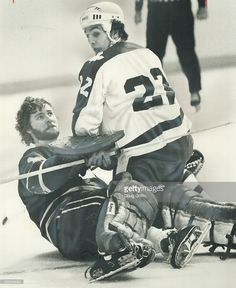 mask-knocked-off-by-collision-vancouver-canucks-goalie-gary-smith-up-picture-id502545381 (839×1024)