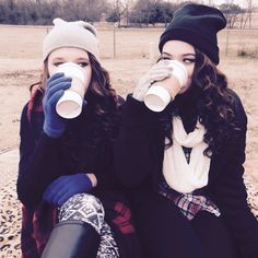 Photography Friends Winter Girls 30 Ideas For 2019 Friendship Drawing, Friendship Photos, Best Friend Goals, Best Friends, Bff Goals, Bffs, Best Friend Photography, Food Photography, Coffee Photography