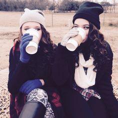 Best friend photoshoot, coffee, starbucks, pictures, winter, fun