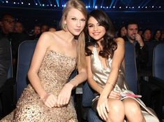 The two hang out at the2011 American Music Awards.