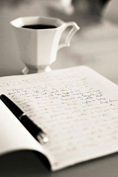 Bonjour ! Good Morning ! Coffee + writing = happiness ! ♥