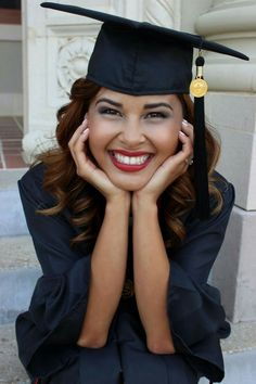 College graduation picture & makeup with matte red lips. The Effective Pictures We Offer You About College Graduation meme A College Graduation Pictures, Graduation Picture Poses, Graduation Portraits, Graduation Photography, Graduation Photoshoot, Grad Pics, Graduation Ideas, Senior Portraits, Graduation Meme