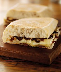 Brie and Caramelised Onion Panini (Starbucks UK)