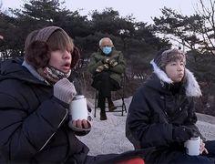 Bts Boys, Bts Bangtan Boy, Namjoon, Taehyung, Images Of Bts, All Bts Members, Les Bts, Line Friends, Korean Bands