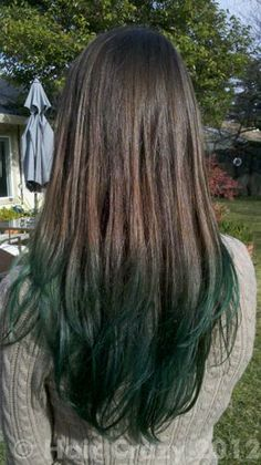 As this is the colour I dye my hair I could just use semi perm dye for Halloween and this would look alright! Awesome witchy hair!!