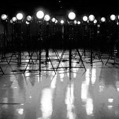 ヨウジヤマモト×蜷川実花、モノクローム写真展[ BLACKLIGHTS ]名古屋PARCOで巡回展の写真1