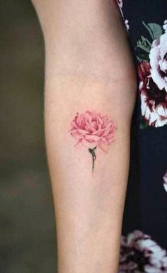 Traditional Watercolor Pink Rose Forearm Tattoo Ideas for Women – www. Traditional Watercolor Pink Rose Forearm Tattoo Ideas for Women. Wrist Tattoos For Guys, Small Wrist Tattoos, Forearm Tattoos, Finger Tattoos, Body Art Tattoos, Carnation Flower Tattoo, Flower Tattoo Foot, Small Flower Tattoos, Peony Flower Tattoos