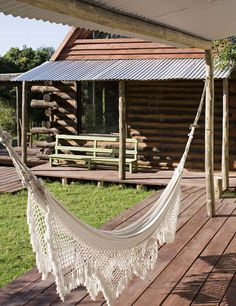 : an eco friendly country house in uruguay } the style files :. My hammock Crochet Hammock, Log Home Designs, Wood Artwork, Home Modern, Eco Friendly House, Decks And Porches, Outdoor Living, Outdoor Decor, Swinging Chair