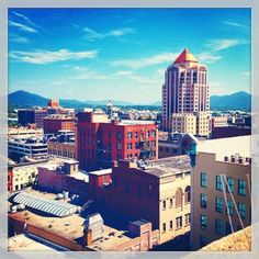 Downtown #Roanoke, #VA. https://apps.statigr.am/feed/web/front/feeds/27770033112/detail