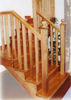 Escalera en madera maciza de roble