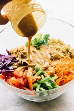 Cashew Thai Quinoa Salad with Peanut Ginger Sauce This Cashew Thai Quinoa Salad is a colourful, crunchy vegan meal perfect for a light lunch or dinner! It's loaded with Thai inspired ingredients and dressed with a divine peanut ginger sauce! Soup And Salad, Pasta Salad, Salad Sauce, Tortellini Salad, Shrimp Salad, Salad Bowls, Whole Food Recipes, Cooking Recipes, Kitchen Recipes