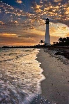 Cape Florida Lighthouse at Key Biscayne Key Biscayne Florida, Lighthouse Pictures, Belle Photo, Wonders Of The World, Beautiful Places, Beautiful Sunset, Beautiful Pictures, Scenery, Places To Visit