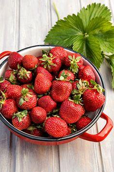 Strawberry, Fruit, Gem, Instagram Posts, Food, Flowers, Essen, Strawberry Fruit, Jewels