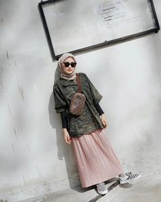 # salsabilapooth @ salsabilapooth – M Modern Hijab Fashion, Street Hijab Fashion, Hijab Fashion Inspiration, Muslim Fashion, Casual Hijab Outfit, Hijab Chic, Long Skirt Fashion, Hijab Style Dress, Hijab Fashionista