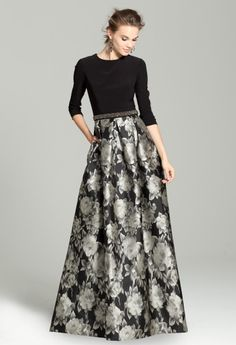Three- Quarter Sleeve Dress with Printed Skirt Mother of the Bride Dress Formal Dresses With Sleeves, Modest Dresses, Trendy Dresses, Fashion Dresses, Prom Dresses, Mother Of Groom Dresses, Mother Of The Bride, Estilo India, Iranian Women Fashion
