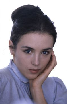 One of the Most Acclaimed French Actresses of All Time: 30 Stunning Photos of Young Isabelle Adjani in the ~ vintage everyday Camille Claudel, Isabelle Adjani, Beautiful Celebrities, Beautiful Actresses, Beautiful Women, Beautiful People, Best Actress Award, French Beauty, French Films