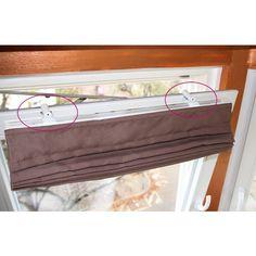 Das Raffrollo läßt sich einfach montieren. Mit dem Klemmträger wird es direkt am Fenster befestigt. Kein Bohren, kein Schrauben, kein Kleben ... Klemmträger und selbst das Material für eine Wand oder Deckenbefestigung liegen der Verpackung bei. Und Raffrollos machen jedes Zimmer viel wohnlicher, nehmen kaum Platz weg und sind in Weiß, Anthrazites, Mocca verfügbar. http://www.advalux.de/rollos-und-mehr/raffrollo.html Ich wünsche Ihnen viel Freude mit Ihrem neuen Sicht- und Sonnenschutz.