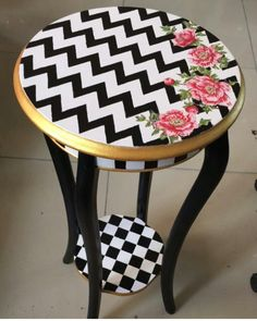 Trendy upcycled furniture painted tips ideas You are in the right place about Decoupage eggs Here we offer you the most beautiful pictures about the Decoupage gifts you are looking for. Decoupage Furniture, Funky Furniture, Recycled Furniture, Furniture For Small Spaces, Living Furniture, Home Furniture, Furniture Vintage, Furniture Chairs, Furniture Upholstery