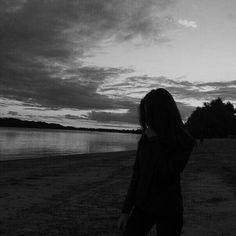 Bad Girl Aesthetic, Aesthetic Themes, Aesthetic Anime, Aesthetic Pictures, Shadow Photography, Boy Photography Poses, Profile Pictures Instagram, Instagram Story Ideas, White Aesthetic Photography