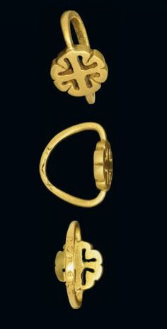"""Gold ring belonging to William the Conqueror's eldest son, Robert Curthose (1054-1134), having been engraved """"Robert"""" on one side and """"DVX"""" (a Latin word meaning """"Duke"""") on the other, ca 1054-1134 A.D."""