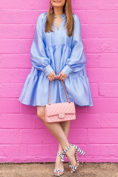 Jennifer Lake Style Charade in a Stine Goya Jasmine Dress, pink Chanel flap bag, Alexandre Birman stripe sandals, and Kendra Scott earrings African Fashion, Indian Fashion, Look Fashion, Womens Fashion, Short Dresses, Summer Dresses, Looks Style, Feminine Style, Ruffle Dress
