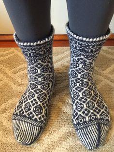 Hey, I found this really awesome Etsy listing at https://www.etsy.com/ru/listing/223030776/snowflake-socks