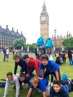 Foto para #MochilaBS - Grupo 2016       Epsom:  Podrás conocer chicos ingleses en tu propia clase y hacer el Trinity exam     Epsom, uno de los más prestigiosos e impresionantes college.  Ofrece, desde sus inicios,  una educación que fomenta la creatividad, el desarrollo físico, espiritual e intelectual.     #WeLoveBS #inglés #idiomas  #Epsom  #ReinoUnido #RegneUnit #UK  #Inglaterra #Anglaterra