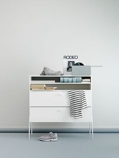 Lundia Fuuga storage unit; perfect for various kinds of needs. In the bedroom, livingroom, children´s room or kitchen.