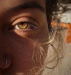 Inspiration sturmsucht de 15 killer makeup looks for green eyes Pretty Eyes, Beautiful Eyes, Photo Oeil, Aesthetic Eyes, Aesthetic Makeup, Aesthetic Girl, Eye Photography, Photography Tutorials, Hazel Eyes