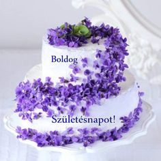 Shrek, Sugar Flowers, Spring Wedding, Wedding Cakes, Wedding Flowers, Happy Birthday, Sweets, Desserts, Violets
