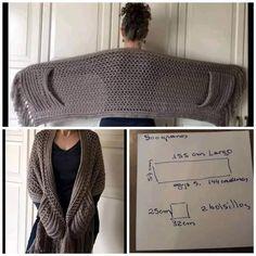 Poncho Au Crochet, Pull Crochet, Crochet Wrap Pattern, Crochet Shawls And Wraps, Crochet Scarves, Crochet Clothes, Crochet Stitches, Diy Clothes, Doilies Crochet