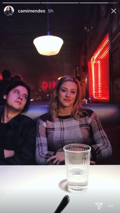 The way he looks at her, sorry but he is not acting that has gotta be true! Bughead Riverdale, Riverdale Archie, Riverdale Memes, Betty Cooper, Archie Comics, Camilla Mendes, Lili Reinhart And Cole Sprouse, Cole Sprouse Jughead, Betty And Jughead