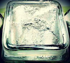 """Pacote Diva Sublime http://www.studiosandramartins.com.br/promocao-pacotes-esteticos-para-natal-e-ano-novo   Diva que tal aproveitar as festas de final de ano com a pele do seu rosto preparada para receber os chamados """"Makes de Natal"""" e os """"Makes do Reveillon""""? Você com certeza precisa conhecer o pacote estético facial Diva Sublime com limpeza de pele e peeling de diamante do Studio Sandra Martins.  Vamos conferir o que você ganhará ao adquirir esse maravilhoso pacote:  Uma limpeza de pele…"""