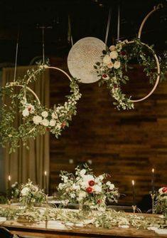 Gold metal hoops for Wedding Hanging Sign/ Floral Hoop | Etsy #diyweddingdecorations