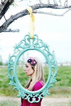 hanging picture frame for Ams Alice in Wonderland party<3