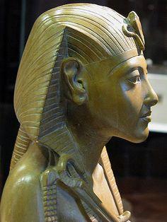 Royal statue of Akhenaten   Yellow limestone statuette of Ak…   Flickr