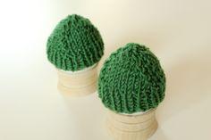 2 grüne Eierwärmer von KNITS & MORE auf DaWanda.com